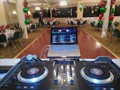 bilingual dj for christmas party