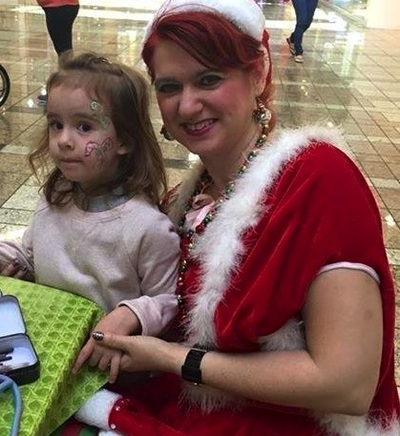 child friendly face painter for Christmas party